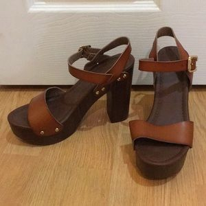 Mossimo chunky sandals